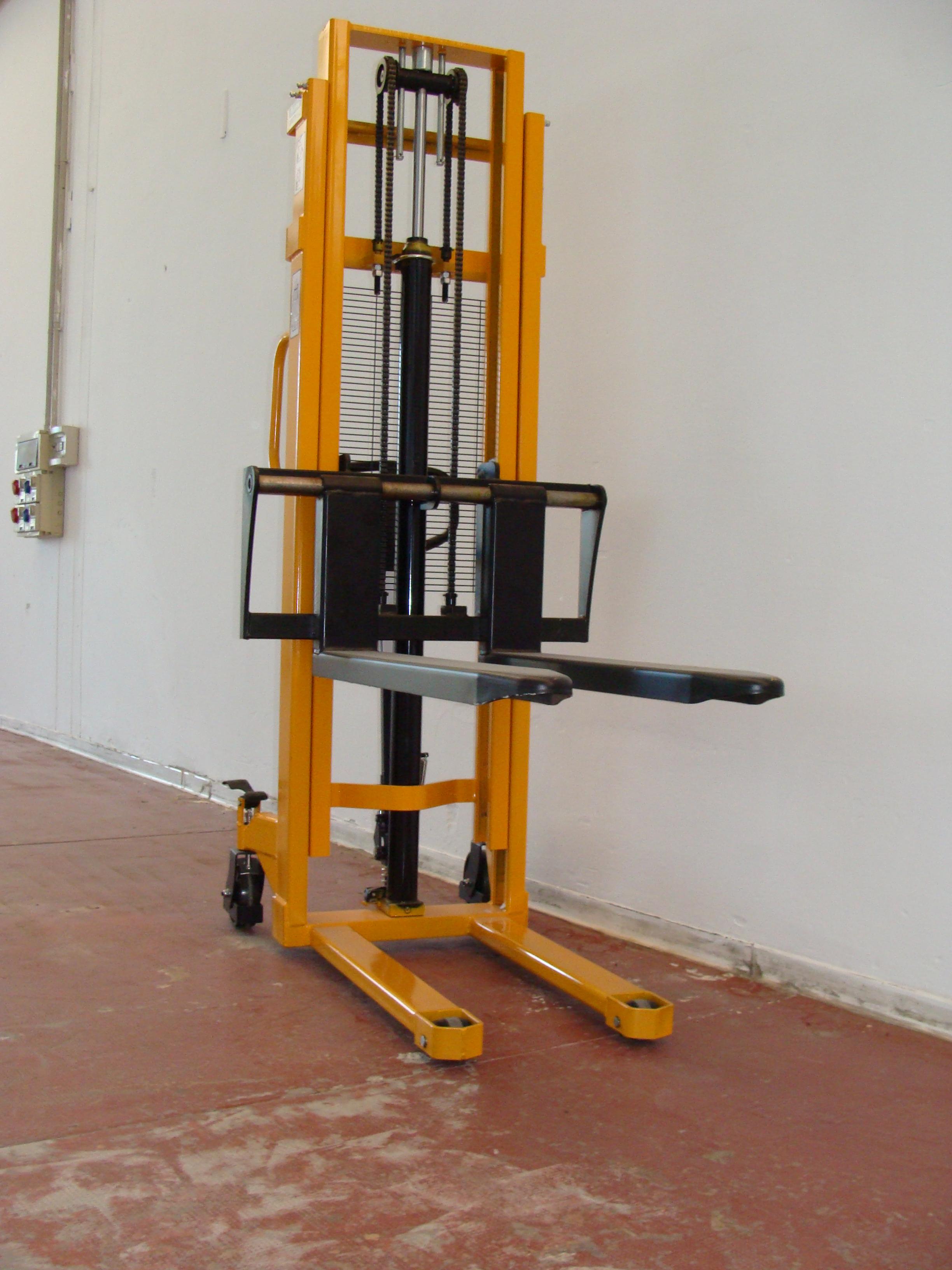 Tme0825a Elevatore Manuale Con Pompa A Pedale E Timone Atomicom